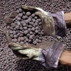 آهن اسفنجی صادراتی پر کربن بافت کرمان